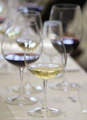 wine-glass-cp-7175812