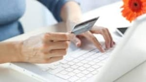 credit-card-fraud-is-000013008247-306x172
