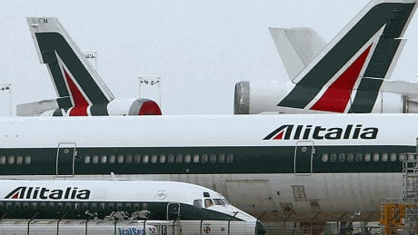 Lufthansa makes offer to buy bankrupt Alitalia