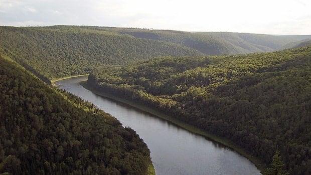 li-nb-restigouche-river