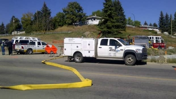 Firefighters were called to a gas leak near 108th Street and 103rd Avenue Thursday afternoon.