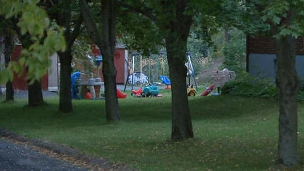 Thousands of children could be affeted if Quebec's private daycares decide to move ahead with pressure tactics.