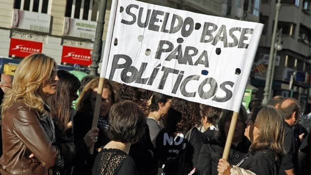 Civil servants protest against austerity measures in central Valencia on Friday.
