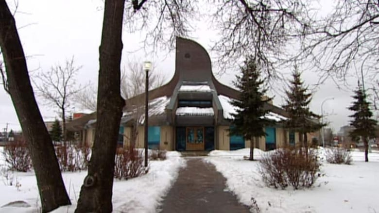 Indigenous Art Was Auctioned Off To Raise Money To Fix The Roof Of Thunderbird  House. (CBC)