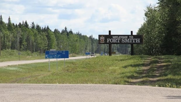 hi-fort-smith-sign