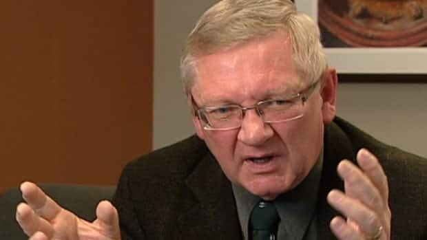 Alberta's Chief Electoral Officer Brian Fjeldheim has decided not to seek another term.