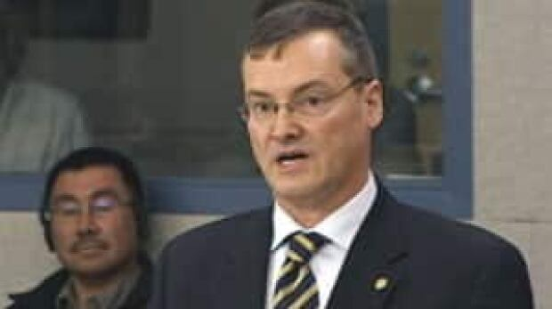 mi-keith-petersen-nunavut-justice-minister