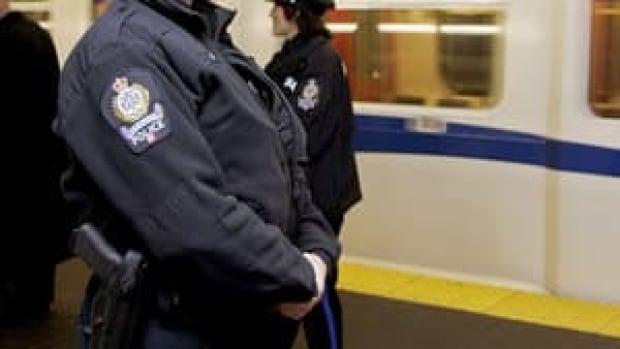 hi-bc-130121-cp-lam-transit-police-badge-4col