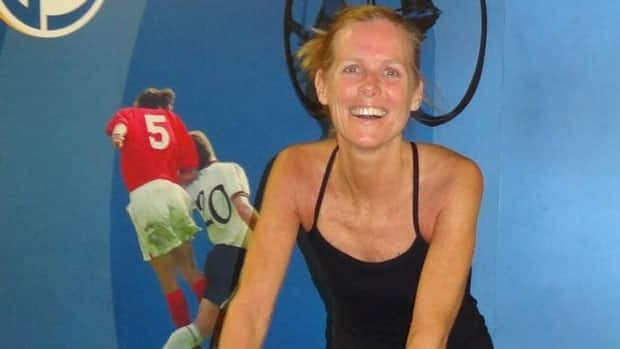 Four years after Sindy Hooper was diagnosed with pancreatic cancer, she's training to participate in another Ironman triathlon.
