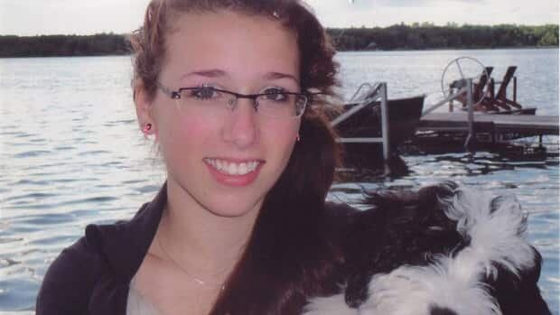 Two experts from Ontario have been hired to review how the Halifax Regional School Board handled the Rehtaeh Parsons case before the teenager's death.