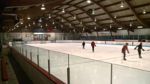 Today a committee will vote on the demolition of Saint-Lambert's Eric Sharp arena.