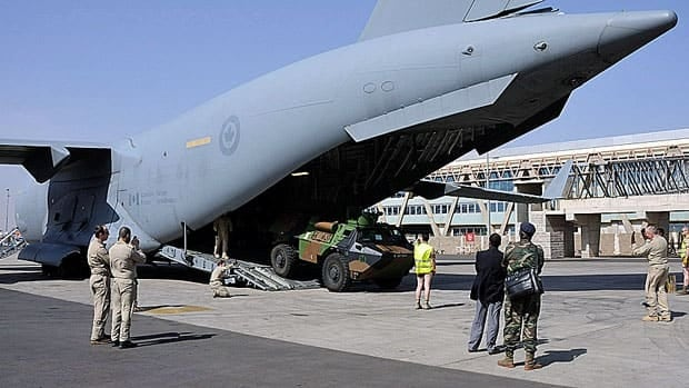 A Canadian Forces C-17 has been ferrying French military equipment to Bamako, Mali to support a French counter-insurgency mission in the African nation.