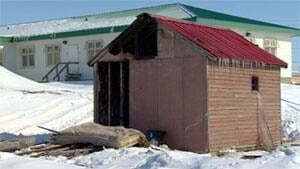 mi-iqaluit-shack-fire-april-2013