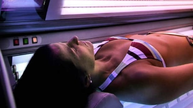 Health officials will be meeting with tanning salon owners to help increase awareness of risks related to UV beds.