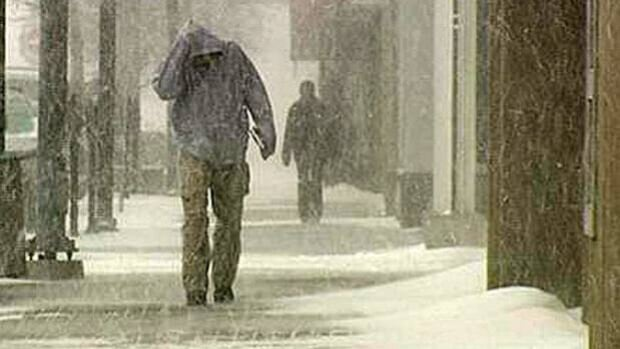Wintery weather is staying in Thunder Bay for the next few days, Environment Canada reports.
