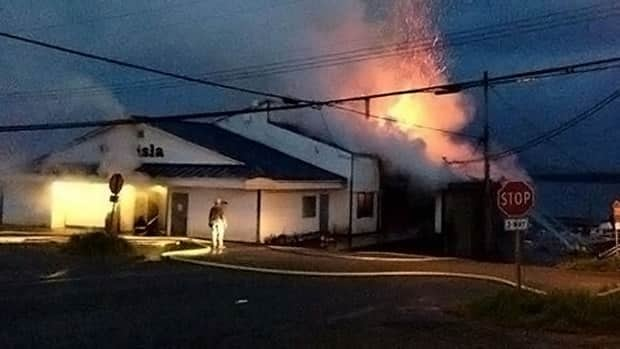 Fire broke out at the only grocery store in Bella Bella early Friday morning.B.C.