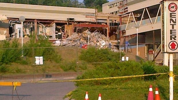 The Elliot Lake Inquiry has heard about decades of water damage that weakened the steel structure of the mall, causing a section of roof to cave in.