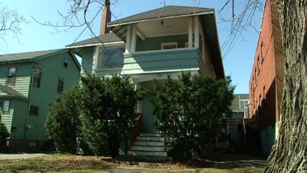 One student said she sent out a warning on the online classified site Kijiji for this house on Robie Street. Within one day said she had seven replies.