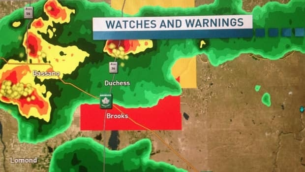 This is what the radar looked like during the tornado warning. An Alberta Emergency Alert says the thunderstorm remains strong with a potential to produce hail, heavy rain and strong winds.