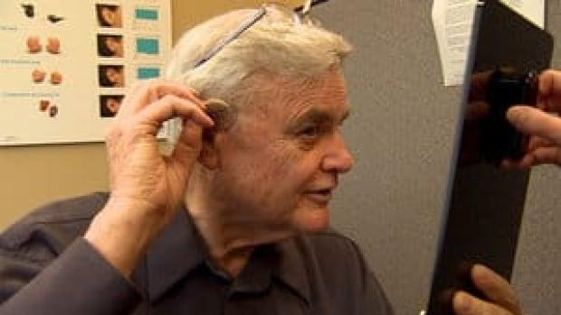 hi-bc-130207-hearing-aid-macarthur-4col