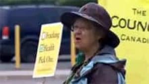 si-nb-fracking-protester-22