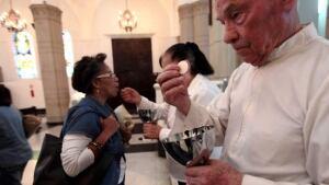 hi-venezuela-communion