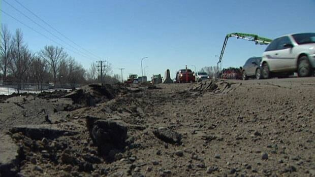 Work on a laying a pipe in Regina's northwest has resumed, starting another several months of disruptions for businesses in the area.