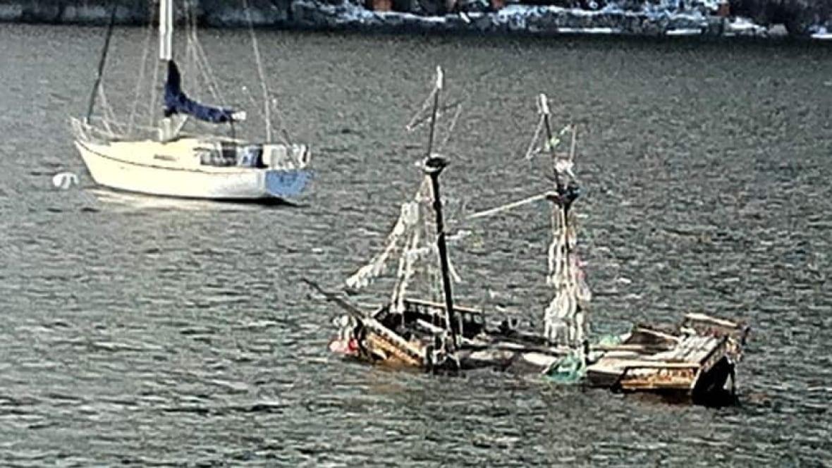 Pirate Ship Sinks In B C Lake British Columbia Cbc News