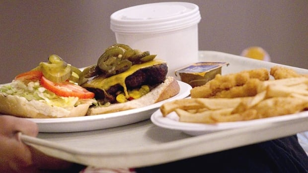 The Ontario government is recommending that all restaurants, including those which serve fast food, list the calories of each item on their menu. This is one of the recommendations in a new report released Monday which aims to reduce childhood obesity.