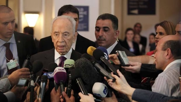 Israeli President Shimon Peres speaks to the media during the World Economic Forum on the Middle East and North Africa.