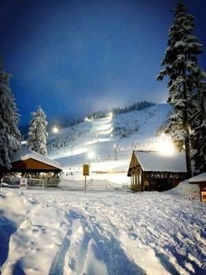 mi-bc-130221-cypress-ski-hill