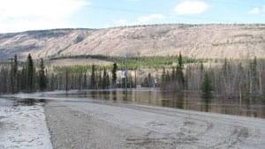 mi-pelly-river-flood-1