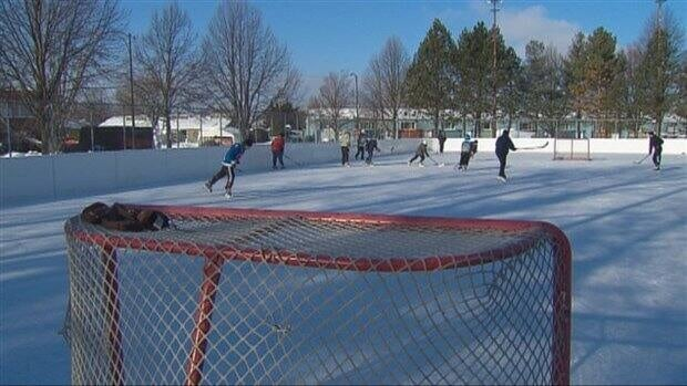 Boy found dead on outdoor skating rink northeast of for Patinage exterieur