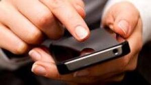 hi-texting-twenty--852-isto-3col