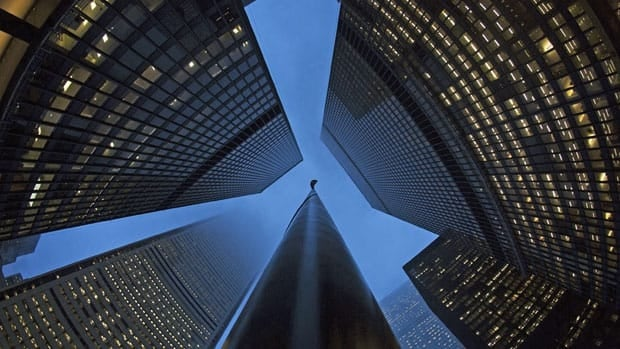 The Supreme Court has dismissed an application by Scotiabank and CIBC to appeal a lower court decision allowing lawsuits over unpaid overtime to proceed.