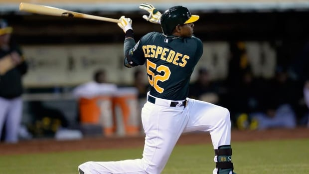 Oakland Athletics outfielder Yoenis Cespedes injured his hand trying to steal second base on Friday night.