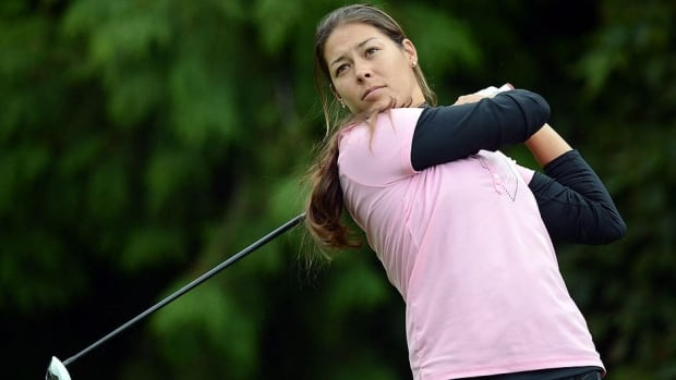 Samantha Richdale, who has a five-stroke lead at the CN Canadian Women's Tour season-opening event, recorded a course record 8 birdies at Beach Grove Golf Club in Kelowna, B.C., on Tuesday.