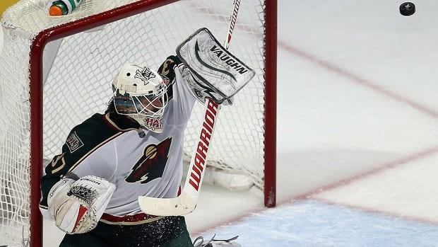 Wild goalie Josh Harding, who will start Thursday's Game 5 against the Blackhawks, left Game 4 on Tuesday following a collision with Chicago's Jonathan Toews.