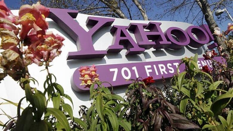 Yahoo buys teen developer's bestselling app