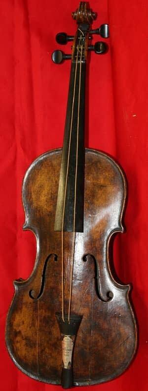 ns-mi-titanic-violin