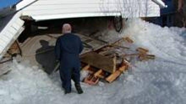 si-alberta-beach-ice-garage_1