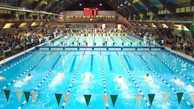 Swim meet competitors complain of coughing in pool area, City of Regina says it was a frozen ventilation system that caused the problem.