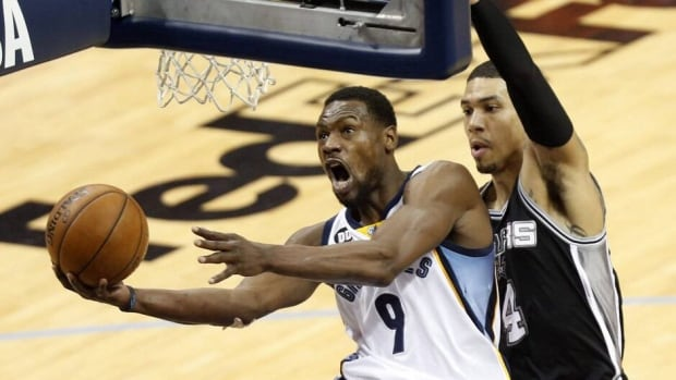 Memphis Grizzlies guard Tony Allen, left, was the leading vote-getter for the All-Defensive team.