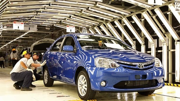 Toyota and GM have been vying for the title of the world's largest autoseller for several years.