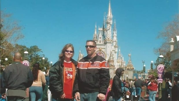 Donna Jones and Mark Hutt pose during a trip to Florida where the pair got engaged in February 2006. (Provided)