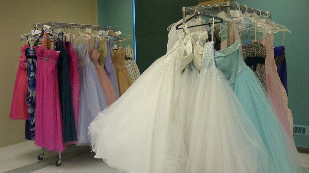 Prom dress donations pour in for grads on a budget - Nova ...