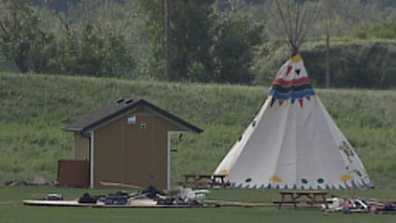 Edmonton camp staff praised for thunderstorm response | CBC News