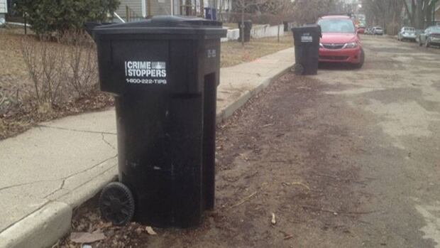 Garbage bins across Saskatoon will get radio-frequency transponder chips by next year.