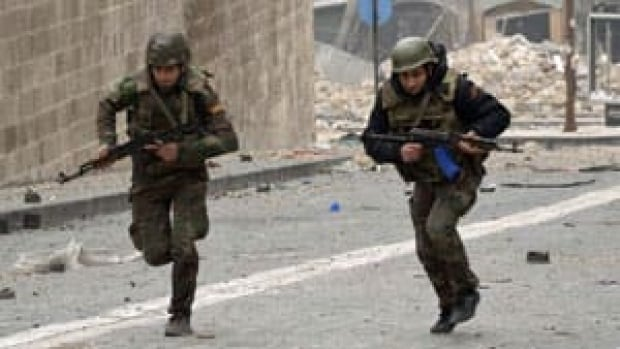 ii-syria-soldiers-300-rtr3c