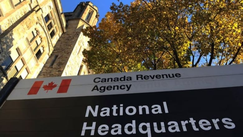 Instant tax refunds carry steep costs | CBC News
